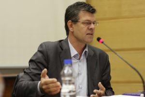 Duško Vuković, diplomirani politikolog, potpredsednikje Saveza samostalnih sindikata Srbije, a pre toga dugogodišnji predsednik Sindikata građevinara. Član je Ekonomsko-socijalnog saveta. Ima dvoje dece