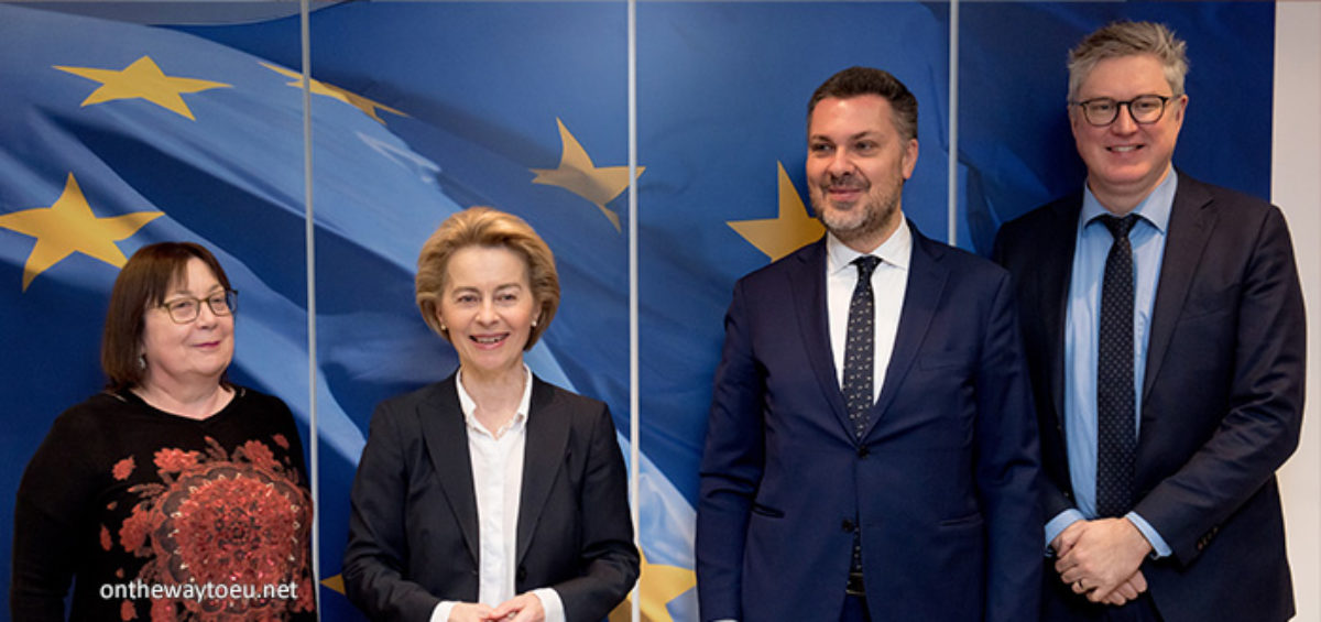 Von der Leyen's first meeting of 2020 is with trade unions